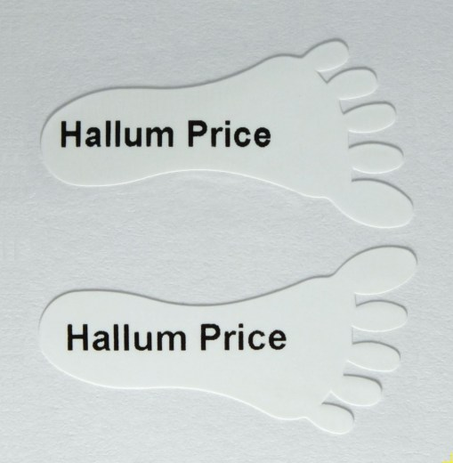 Foot shaped shoe labels for children and toddlers shoes